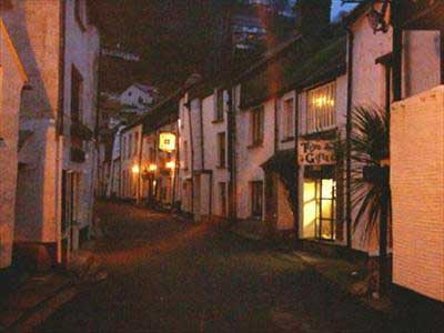 Hotels, Guest Houses and B&Bs near Polperro